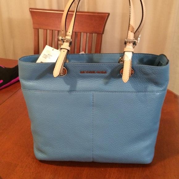 404ca6a8dd4004 Michael Kors Bags | Bnwt Mk Bedford Pocket Tote Sky Blue | Poshmark
