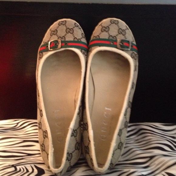 c8473509e81d Gucci Shoes - 💥SALE💥Authentic Gucci canvas flats
