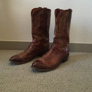 lucchese bootmaker