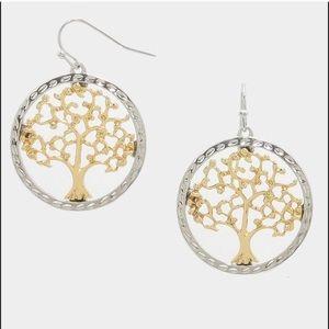 Farah Jewelry Jewelry - 💛Pretty two tone tree of life earrings
