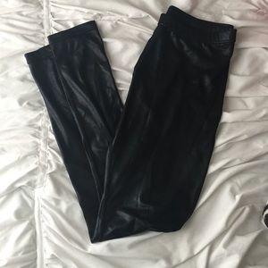 Pants - Black Shiny Leggings