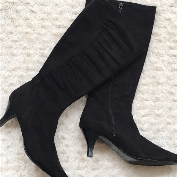 Impo Stretch Black Suede Heeled Boot