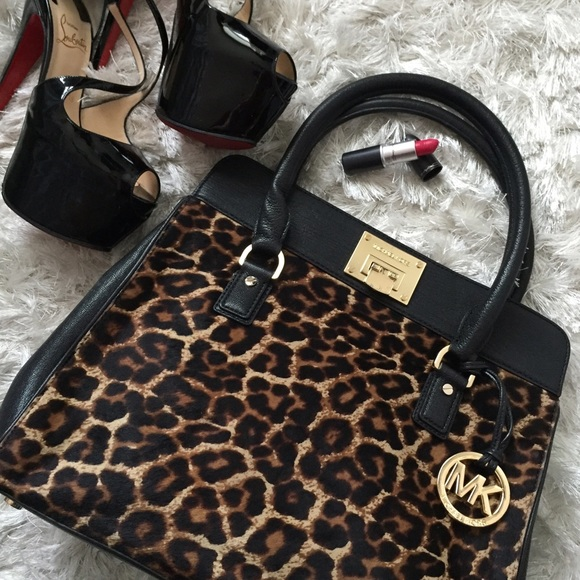 6441da9ed856 MICHAEL Michael Kors Bags | Must Go Sale Michael Kors Astrid Satchel ...