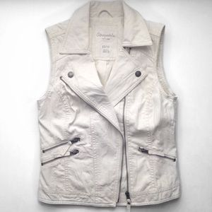 MOVING SALE❗️White Leather Vest Jacket