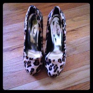 Anne Michelle Shoes - Fun Cheetah heels