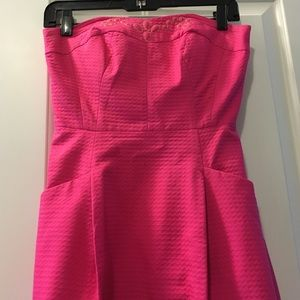 This dress is a never worn, tags on shift dress. It is a size 12 but i  wanted pictures of the dress on, so I'm holding the sides. O… | Dresses,  Shift
