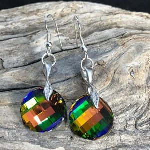 Handcrafted earrings made with Swarovski crystal