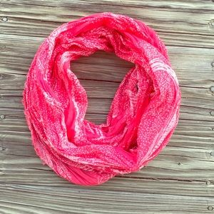 American Eagle Outfitters Accessories - Lightweight Infinity Scarf 💕
