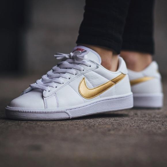 Nike Shoes - S O L D