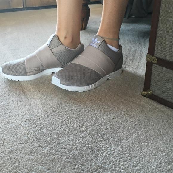 Le adidas torsione zx flusso tanwhite poshmark