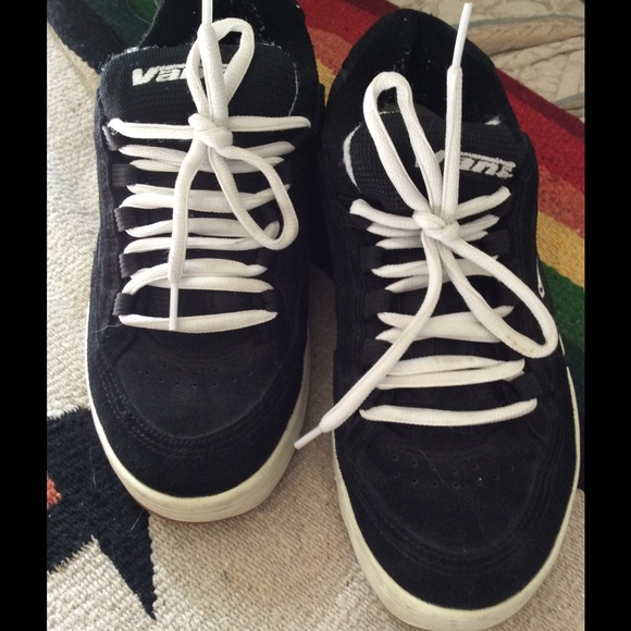 82 off vans shoes vans old school 90 39 s skateboard shoes skater black from erika 39 s closet on. Black Bedroom Furniture Sets. Home Design Ideas