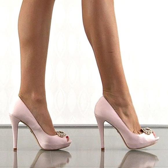 7a2982f27c Badgley Mischka Shoes | Sale Blush Peep Toe Pumps | Poshmark