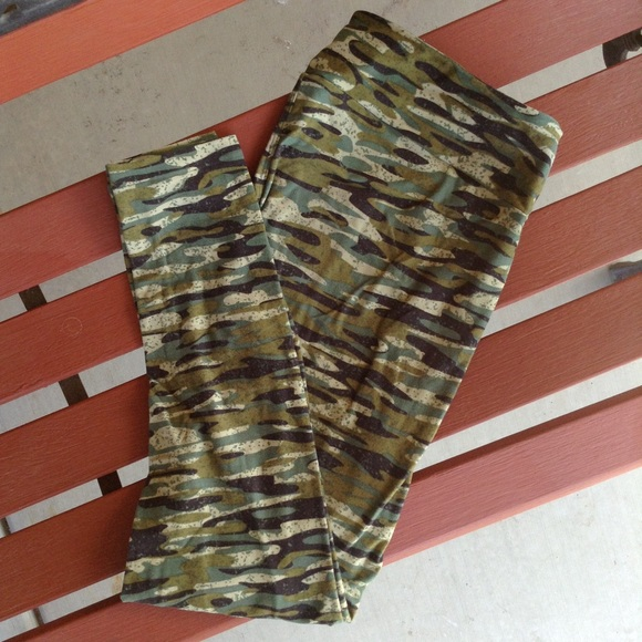 8a4a12b47cf985 LuLaRoe Pants | Tc Camo Leggings | Poshmark