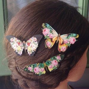 3 floral print butterfly hair clips