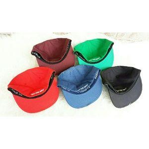 9258b023c31d7 Vans Accessories - VANS hat LOT - Mens Flexfit Hat LOT or  15 each