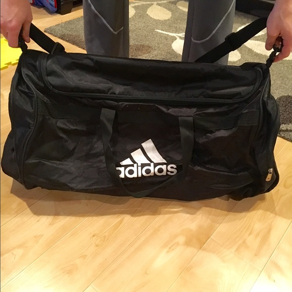 a493a43a2902 Extra Large Adidas Duffle bag