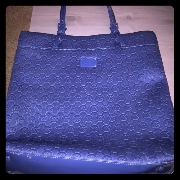 6206df255942 Michael Kors Jet Set Blue Neoprene Logo Tote Bag. M_56e77ff36a5830bca2008924