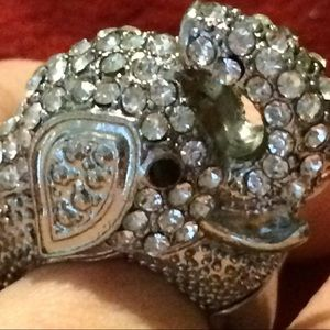 Jewelry - Crystal Rhinestone Elephant Ring w/flexible band