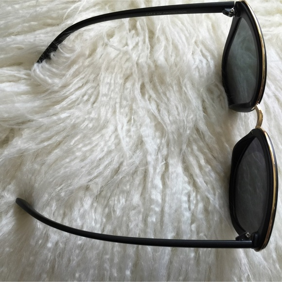 Cat Eye Black Guicci Sunglass Frame With Nose Pads
