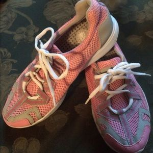 Water/beach shoes