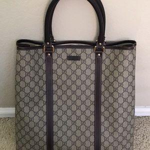d3a0ec114e454 Gucci Bags - Women s authentic Gucci GG tote Canvas