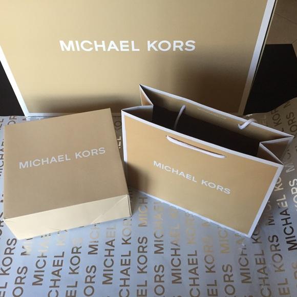 2c22edf204ff 1 Michael Kors Boxes + 1 MK Gift Bag. M 56e841b1291a35cebe0059a1