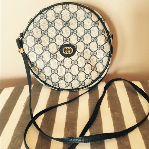 fb2610600faf06 Gucci Bags | Vintage Canteen Round Very Classy | Poshmark