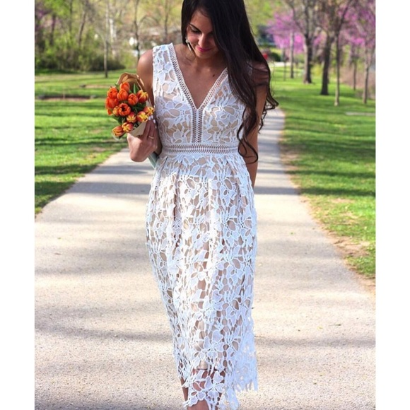 Romeo   Juliet Couture Lace Dress a3a2ba293