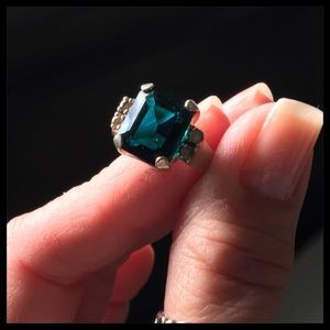 Badavici Emerald Ring