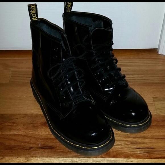 shiny svart doc martens støvler best
