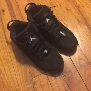 Shoes - Jordan 6s