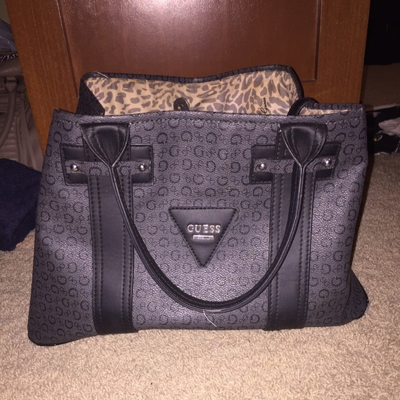 Black authentic guess purse