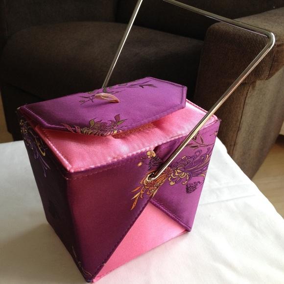 9029a09eac8 Yans NY Chinese take out box handbag. M 56e8c1522599fee543014a65