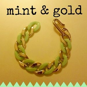 Jewelry - Mint & Gold Chunky Bracelet