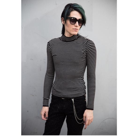 Rue21 Sweaters - 🆕Super stretchy Longsleeve Mockneck Longsleeve S