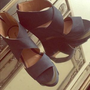 Shoes - Cute navy blue wedges!