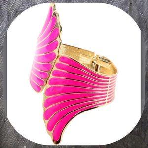 Amrita Singh Jewelry - 🎉HP Top Trends🎉💜Fuchsia and Gold tone Wing Cuff