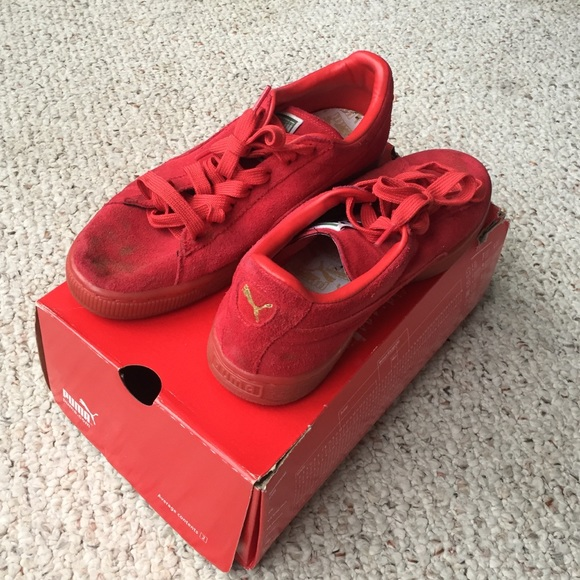all red pumas