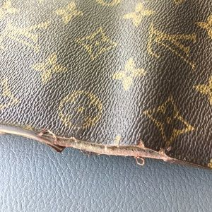 More pics of LV wallet