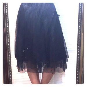 Isaac Mizrahi Dresses & Skirts - Isaac Mizrahi Tulle midi skirt