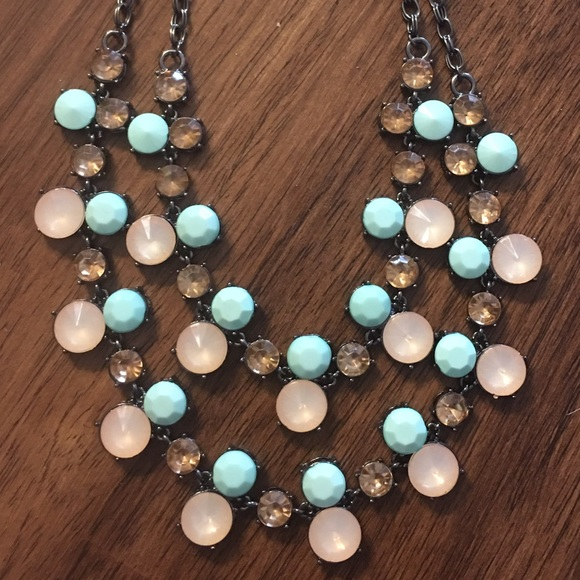 Boutique Jewelry - 1 left! Gunmetal Statement Necklace Peach & Mint