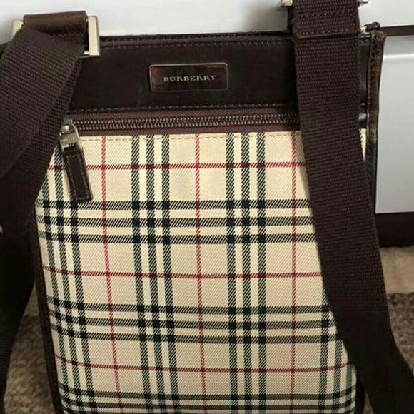 49869bd90703 Burberry Handbags - Authentic Burberry sling bag