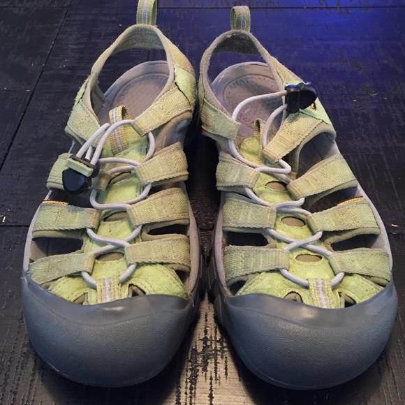 0f3a83117d40 Keen Shoes - GUC Green Keen sandals size 8 38.5