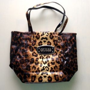 3a4ebddb21 Guess Bags - 🚨FLASH SALE🚨 Guess Leopard Print Tote Bag Purse