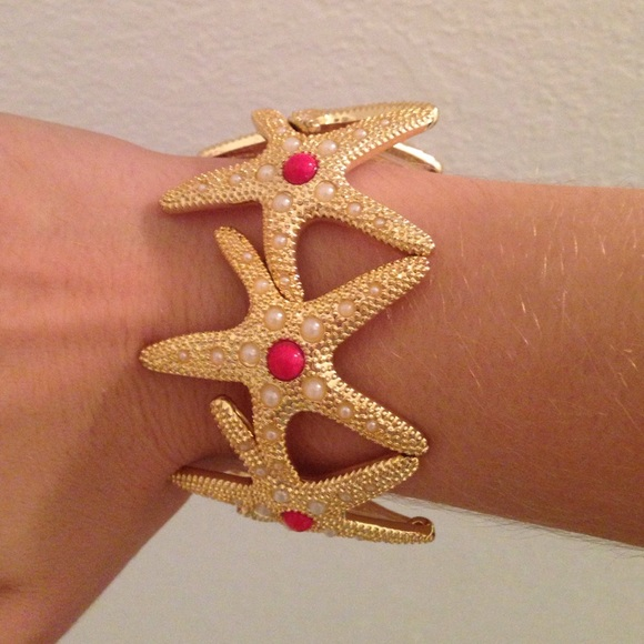 Lilly Pulitzer Jewelry - Lilly Pulitzer Gold Starfish Bracelet