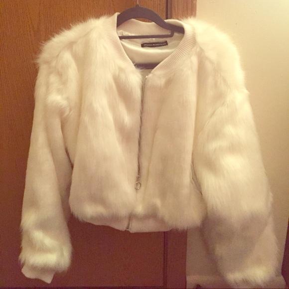ba80abeda Brandy Melville Fiona Fur Bomber Jacket