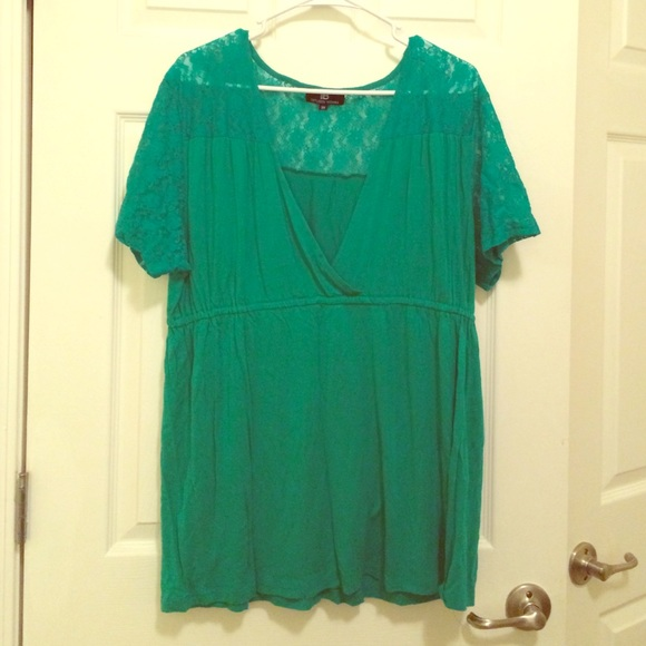 6856c440064 Diffusion Woman Tops - Plus size 3x Kelly Green lace trimmed Top