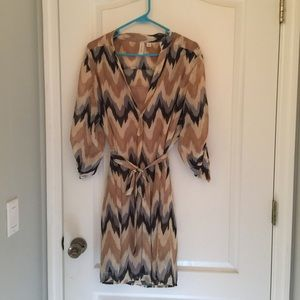Dresses & Skirts - Belted chevron dress