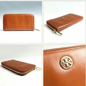 Tory Burch Handbags - NWT Tory Burch Dena Zip Continental Wallet