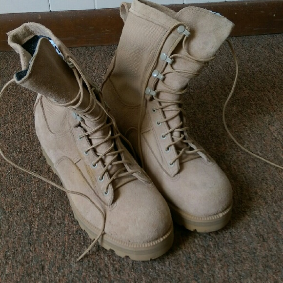 2b446b5163a Size 8.5 wide McRae boots